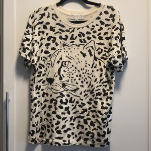 WILDFOX size Small tee cheetah NWOT $60